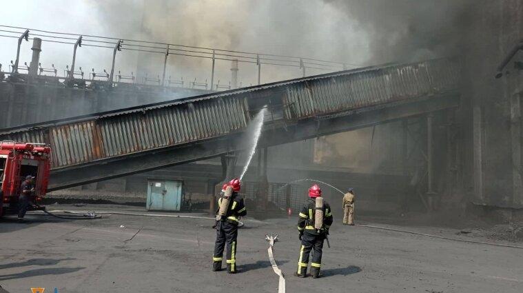 Коксохімічний завод горів в Авдіївці - фото