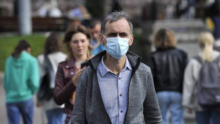 Могут болеть без симптомов: врач рассказала об опасности вакцинированных людей