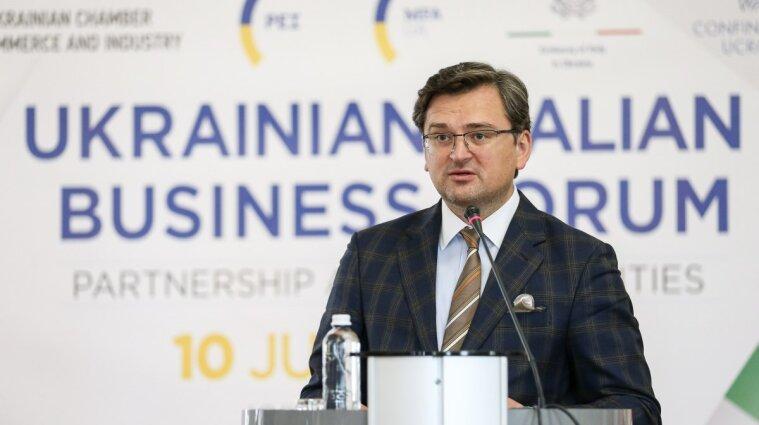 """Ситуация будет такими """"качелями"""": Кулеба рассказал об отношениях с Беларусью"""