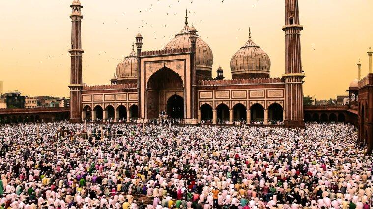 У Мекку на Рамадан пускатимуть лише тих мусульман, які мають імунітет проти Covid-19