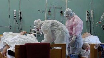Ампутація кінцівок та неспроможність самостійно дихати: яка ситуація з коронавірусом в Україні