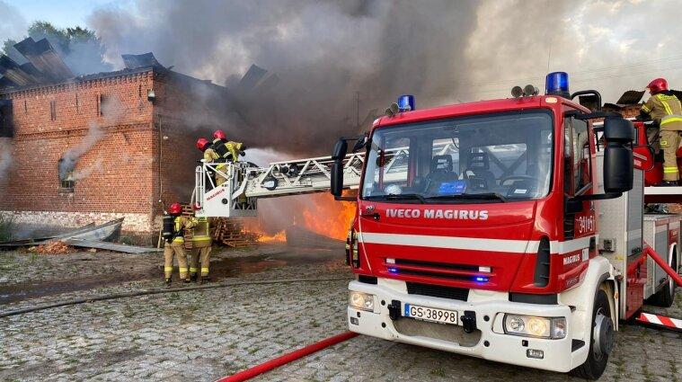 Двое поляков спасли из огня украинских работников