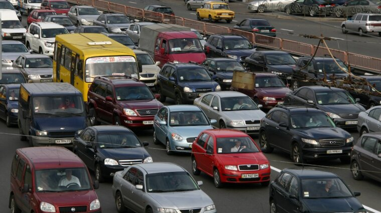Транспорт в Киеве не пустят на несколько улиц: список, схема объезда