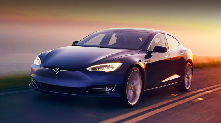 Маск рассказал, когда выйдет полный автопилот для электромобилей Tesla