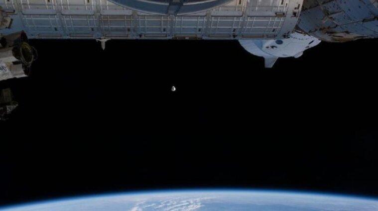 Космічний кораблель Dragon доставив на МКС цінний вантаж
