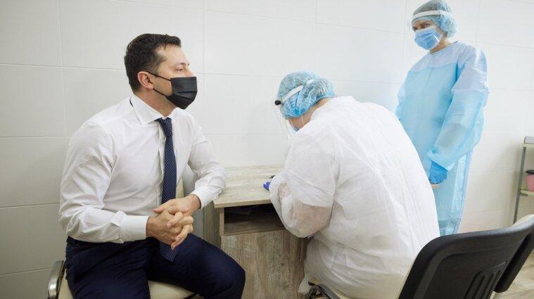 Зеленський отримав другу дозу вакцини від коронавірусу