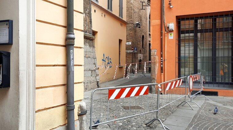 Итальянский локдаун: выходить на улицы запрещено даже в масках - фото