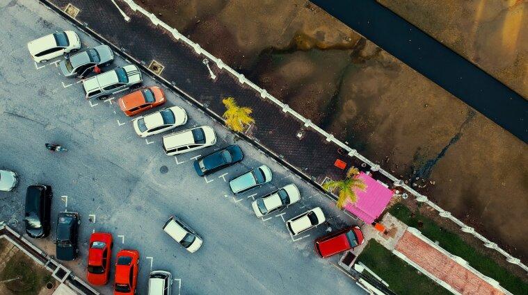 Правила паркування транспортних засобів змінено в Україні
