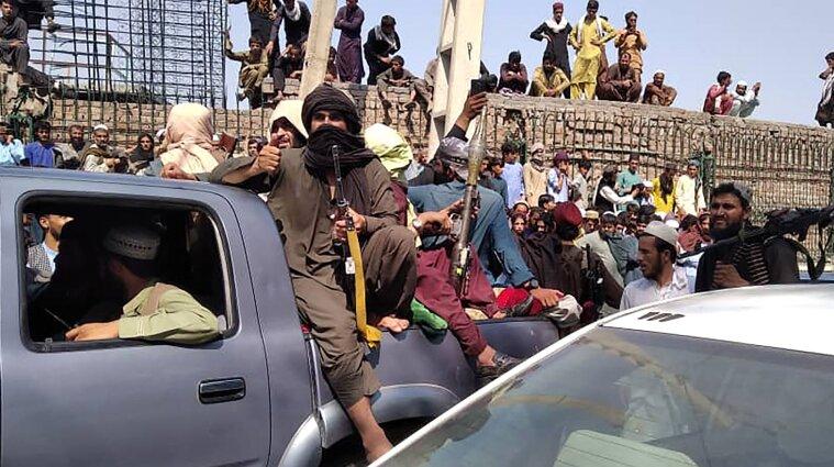 Талібан входить до столиці Афганістану - ЗМІ