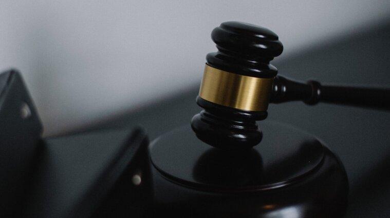 Печерський суд зобов`язав ДБР відкрити справу проти Зеленського