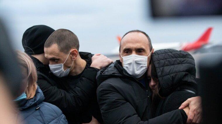 На батьківщину повернулися українські моряки з лівійської в'язниці