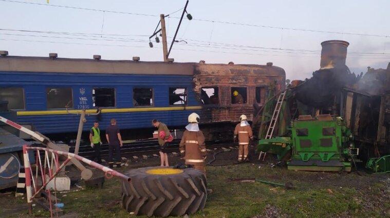 Потяг та вантажний трейлер зіштовхнулися у Полтавській області