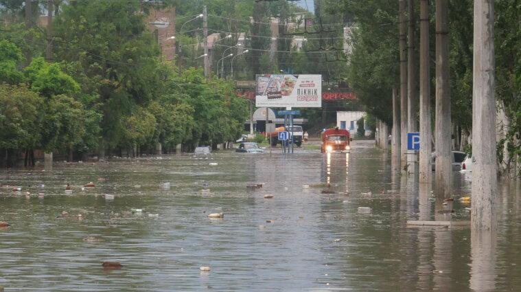 Через негоду у Маріуполі затопило будинки та вулиці - фото