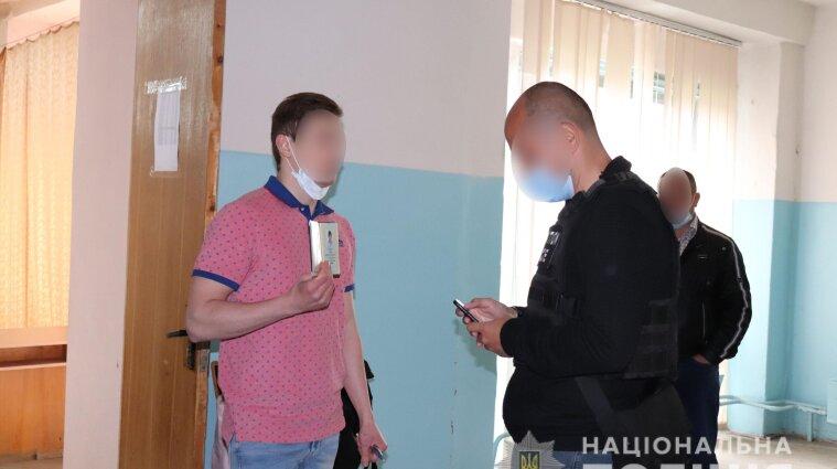 В Ужгороді замість студентів медиків іспити складали інтерни з підробленими паспортами