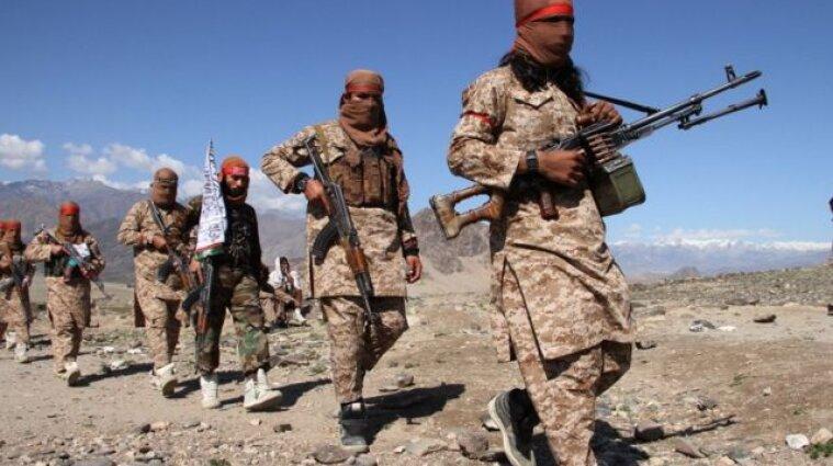 В Афганістані таліби відкрили вогонь по мирним жителям (відео)
