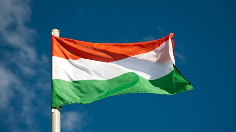 Закарпатські депутати співали не гімн, а молитву - посольство Угорщини