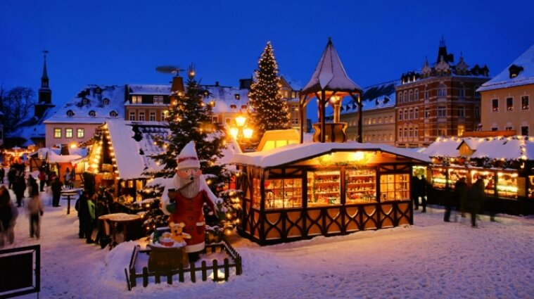 Вчені Німеччини наполягають на введені жорстких обмежень на Різдво