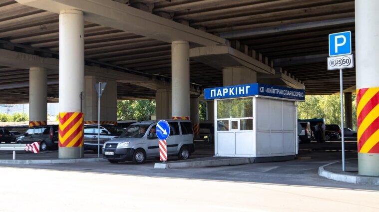 Нові тарифи встановлено на паркування в центрі Києва