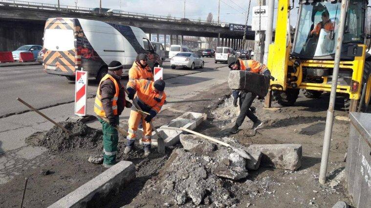 Киян попередили про ремонт доріг: на які вулиці краще не виїжджати