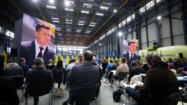 Я уже стал его приговором: Зеленский об отношениях с Порошенко
