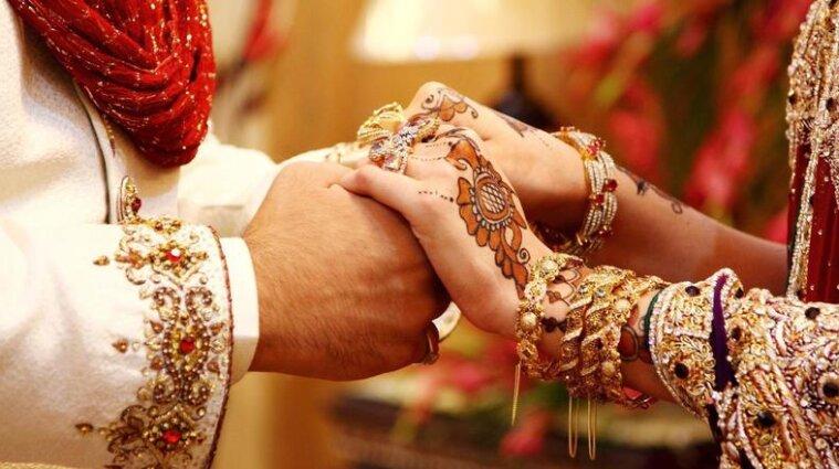 В Індії влаштували весілля на борту літака, попри спалах коронавірусу