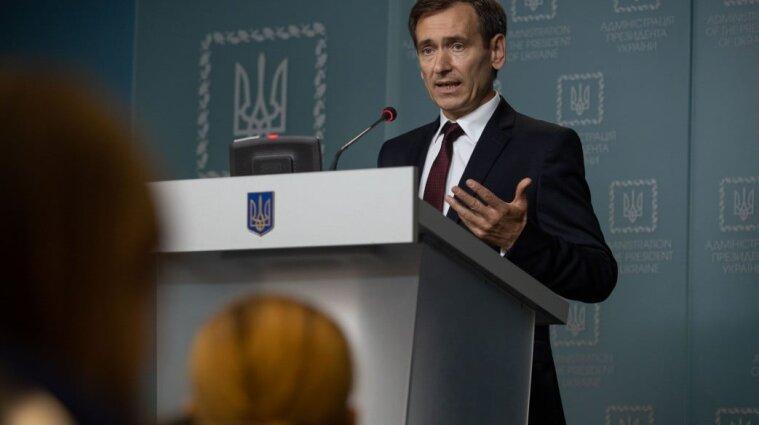 Президент имеет основания для роспуска КСУ - Вениславский