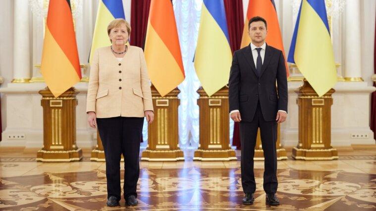 Меркель зустрілась з Зеленським напередодні Дня Незалежності: про що говорили