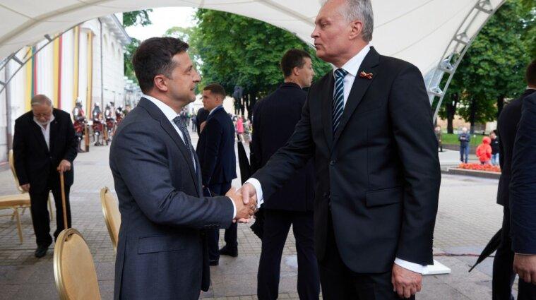 Зеленский пребывает с визитом в Литве (фото)