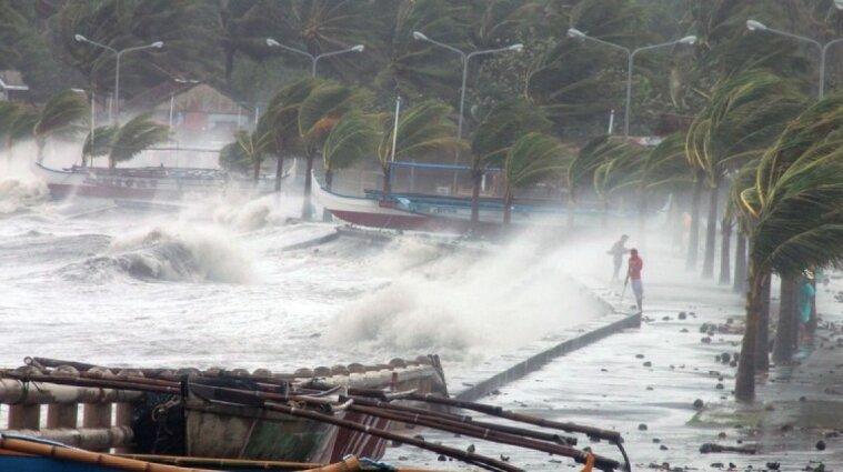 На Філіппінах внаслідок тайфуну загинуло уже 42 людини