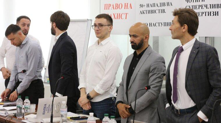 """Апелляционный суд оправдал Стерненко по статье о """"300 гривнах"""""""