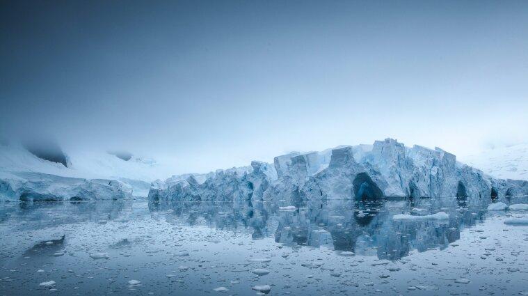 В Антарктиді під льодовиками розміщені 140 активних озер - вчені NASA