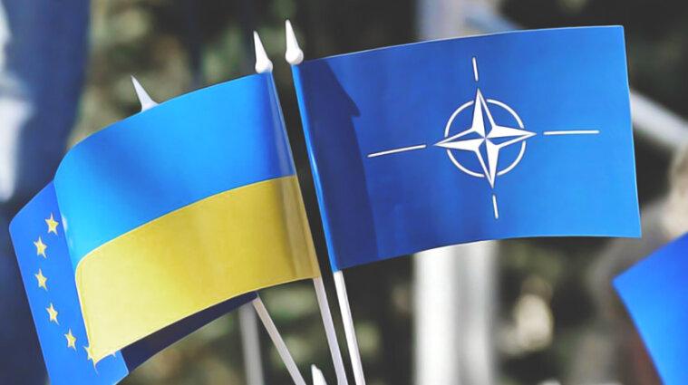 """В июне НАТО планирует обсудить """"дорожную карту"""" для Украины отоносительно вступления"""