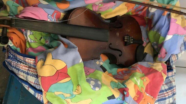 На Буковині намагалися вивезти до Румунії скрипку, якій понад 300 років