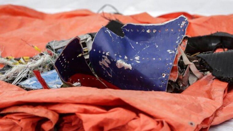 Авіакатастрофа в Індонезії: витягли з моря першу чорну скриньку