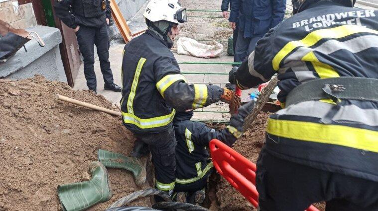 Обвал грунта произошел в Киеве: погиб один человек