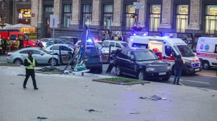 ДТП на Майдані: в аварії постраждала сім'я з немовлям