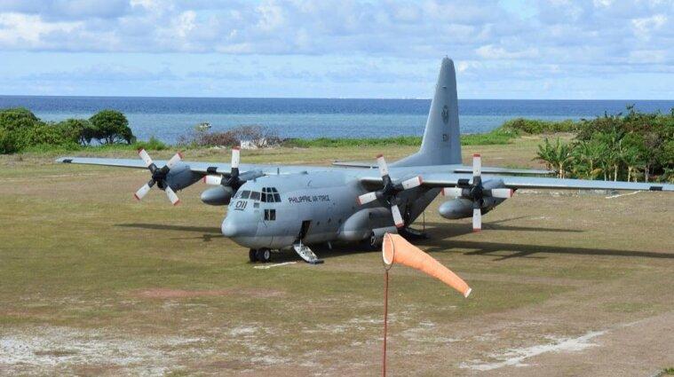 На Филиппинах разбился военный самолет с 85 пассажирами