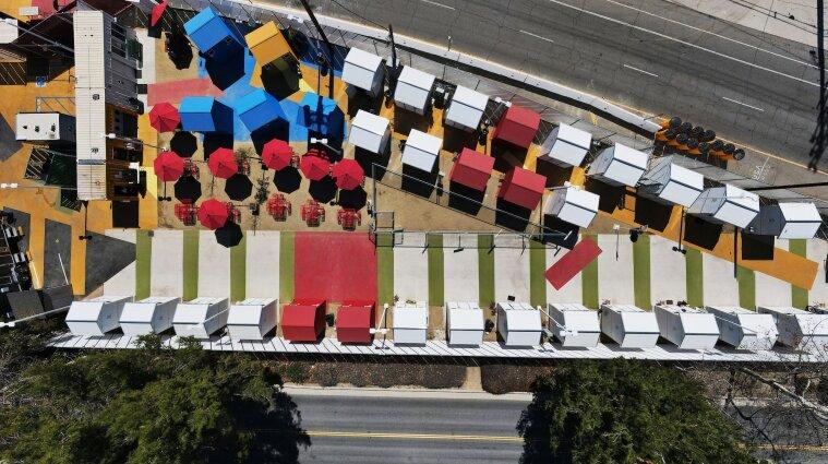 В Лос-Анджелесе построили поселения для бездомных