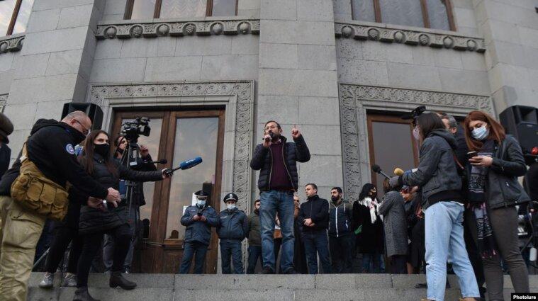 В Армении протестующие требуют отставки Пашиняна