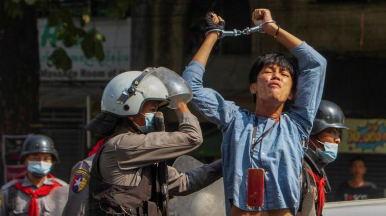 В Мьянме силовики убили уже более 500 протестующих (фото, видео)