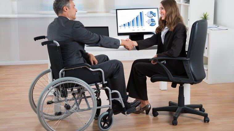 Правительство планирует стимулы для работодателей, которые трудоустраивают людей с инвалидностью