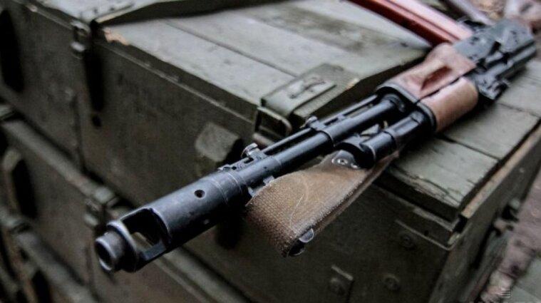 В Іспанії затримали українців, підозрюваних  у незаконній торгівлі російською зброєю