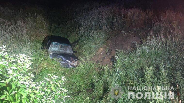 Во Львовской области 11-летний мальчик за рулем BMW погиб в ДТП - фото