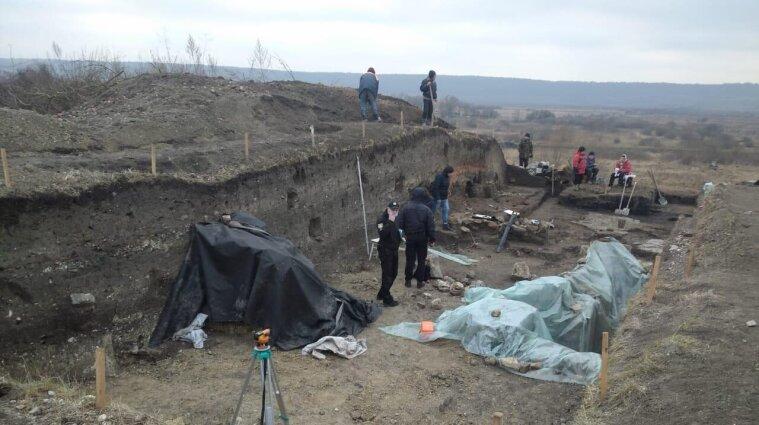 У Львівській області вандали зруйнували археологічну памятку кінця XI століття