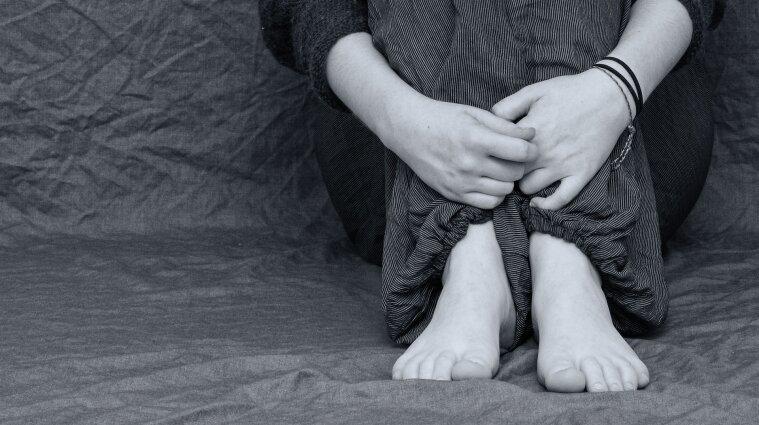 Як зупинити хвилю підліткових суїцидів в Україні: поради експертів