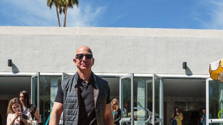 Безос покидает пост генерального директора компании Amazon