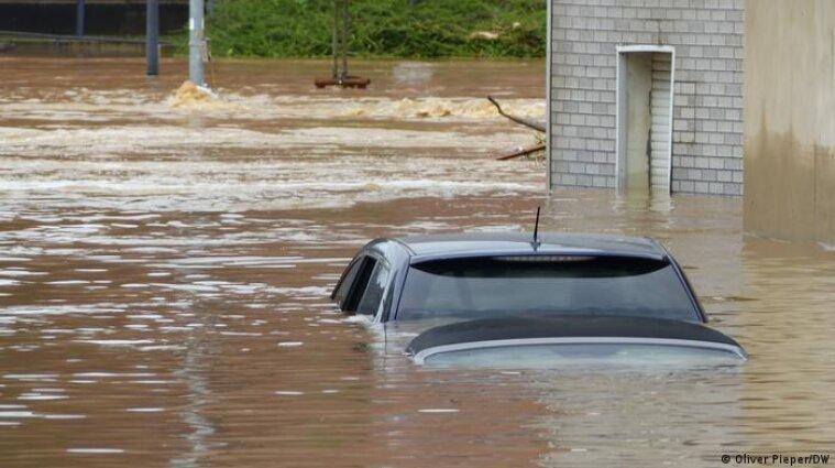 В Германии увеличилось число погибших и пропавших из-за наводнения - видео