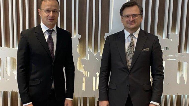 Україна та Угорщина уклали угоду про взаємне визнання COVID-паспортів