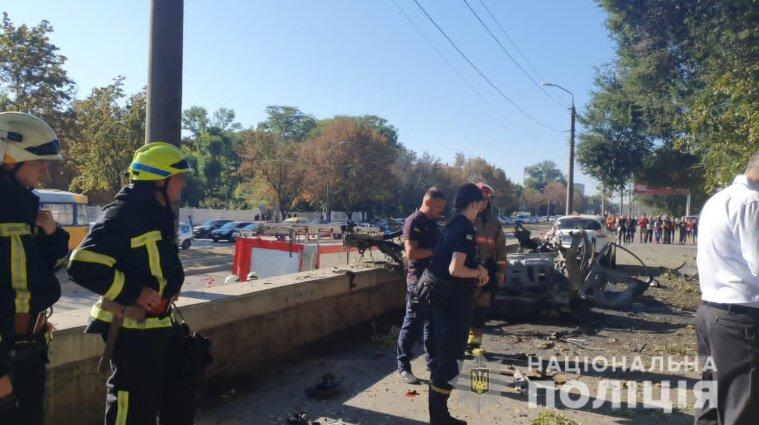 Теракт в Днепропетровске: прокуратура назвала возможные причины взрыва автомобиля