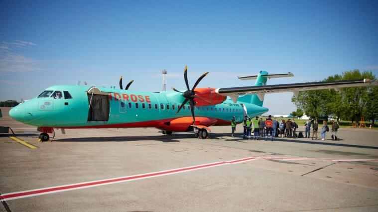 Зеленский стал пассажиром первого рейса WindRose по маршруту Киев - Кривой Рог